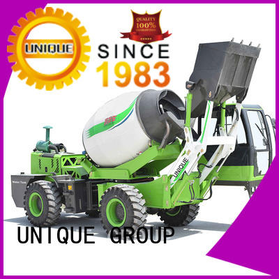 four wheels-driving concrete batch truck loader mixing to discharge for concrete production