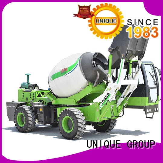 four wheels-driving cement mixer truck concrete mixing to dischargefor construction site