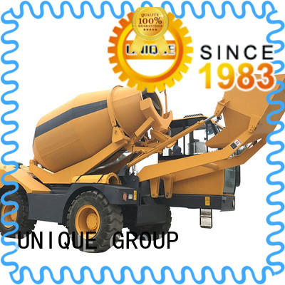four wheels-driving concrete batch truck mixing to discharge for concrete production